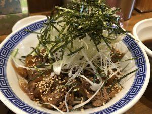 肉盛りつけ蕎麦 馳走麺 狸穴
